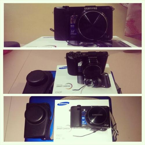 For sale Samsung EX2F f1.4 with Wifi