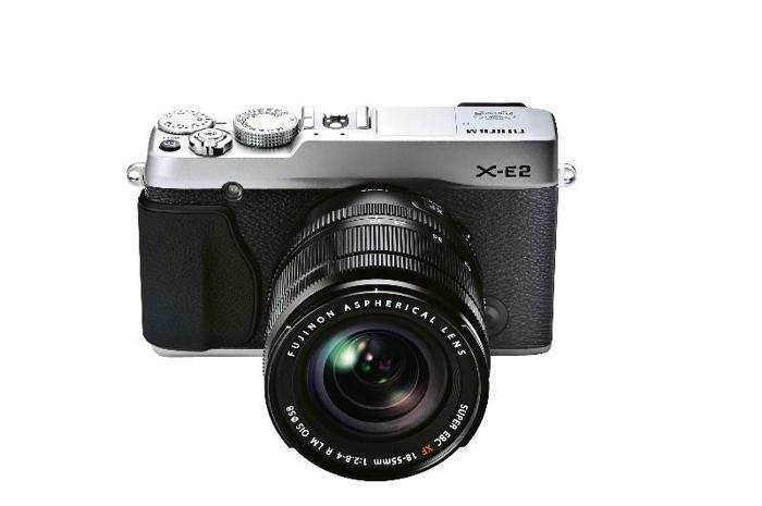 Fujifilm XE2S Digital Camera (Silver Fuji X-E2S) +