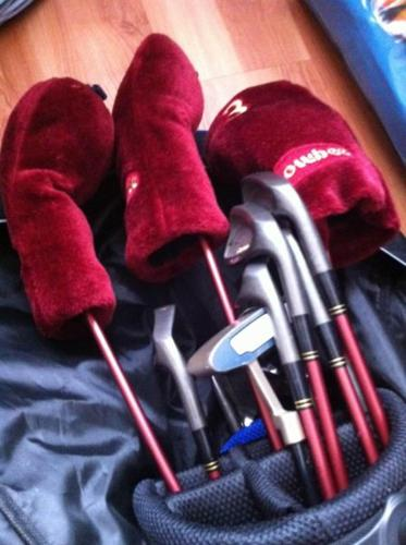 FULL SET - GOLF CLUBS FOR LADIES!!