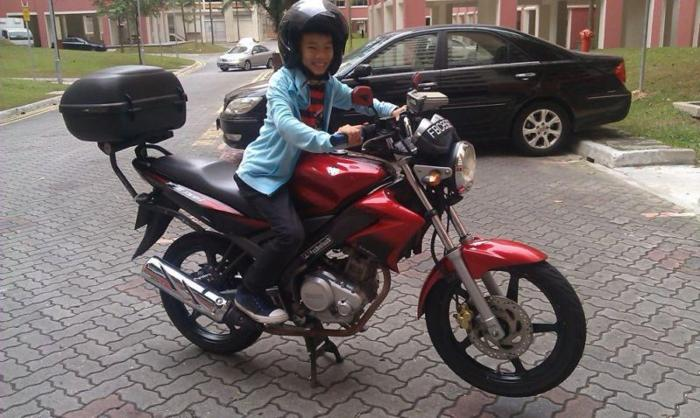 FZ 150i + Box COE 2018 July for sale, 5 5 years for Sale in