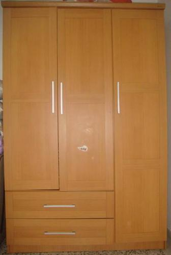 Garage sale 3 Door wardrobe available for imm sale SGD