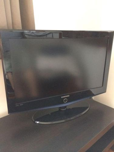 Good Buy Samsung 32 Lcd Tv Ikea Tv Stand For Sale In Kim Seng