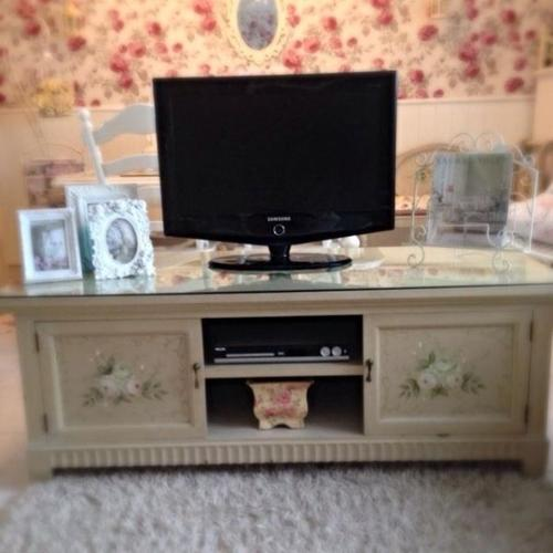 Gorgeous Shabby Roses Hand Painted Tv Console
