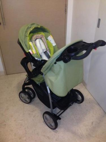 Graco Baby Stroller With Car Seat