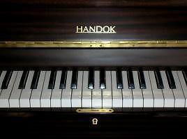 Handok piano. Ideal for beginners.