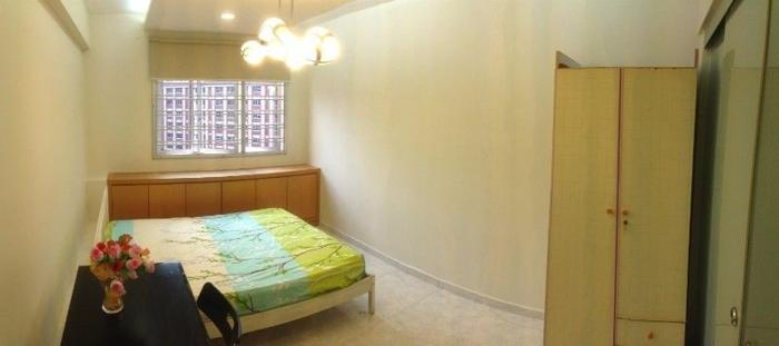 HDB room for rent near Tampines St 21, close to MRT