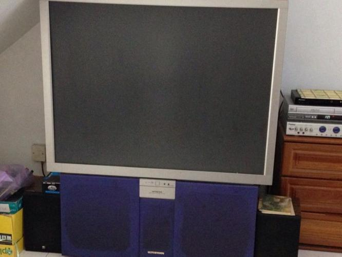 Hitachi Flat Screen 60