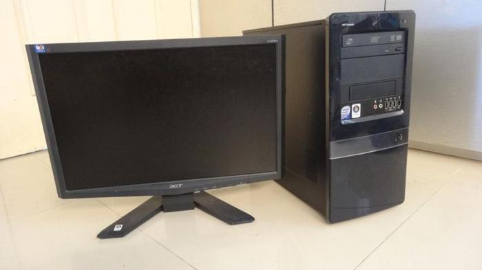 HP Core 2 Quad Q8300 | 4 GB RAM | 250 GB HDD | 19