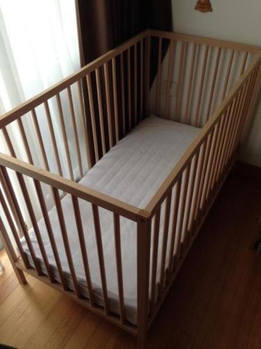 IKEA SNIGLAR baby cot incl. mattress