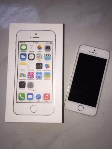iPhone 5s 32GB (SLIVER)