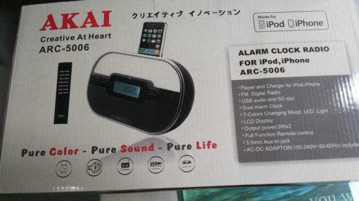 iphone & ipod charging station Alarm clock Radio