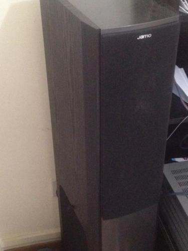 Jamo S606 with built-in Sub Woofer