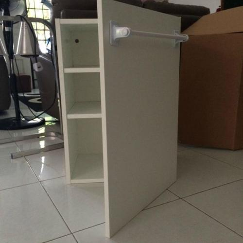 Kitchen Cabinet (white in color)