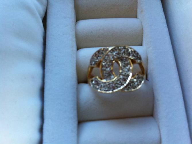 ladies 18k yellow gold diamond ring