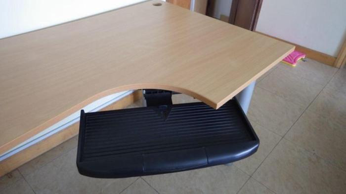 Large office desk in good condition
