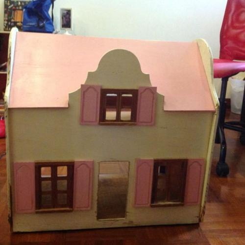 Large Wooden Doll House For Sale In Balmoral Park North Singapore