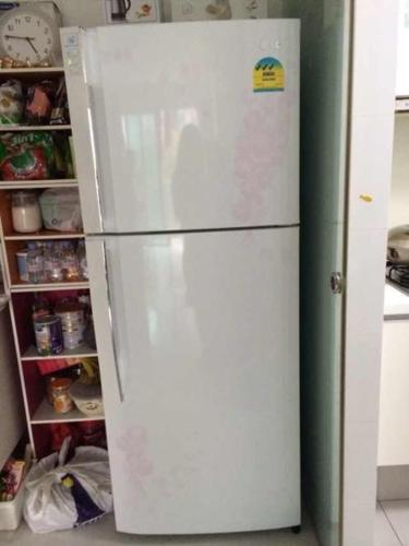 LG 380 Litres Fridge For Sale!!! Used Less Than 1