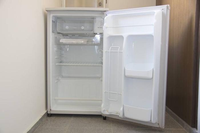 Magnificent Bar Fridge for Sale 700 x 465 · 133 kB · jpeg