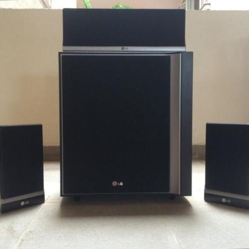 LG sub woofer with speakers