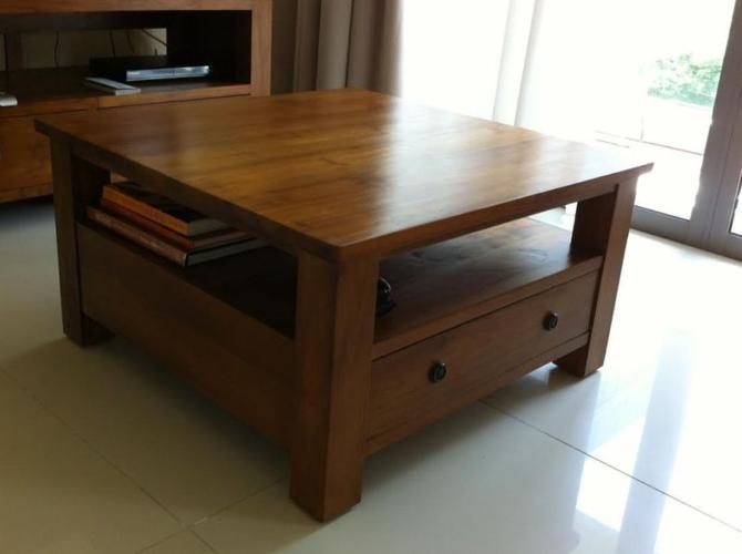 Like New Beautiful Coffee Table Tv Console For