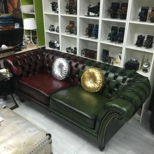 Like NEW Chesterfield Windsor 3 Seater Sofa