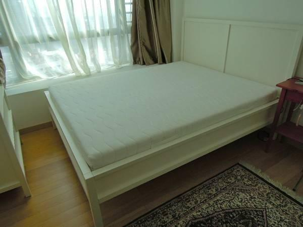 LIKE NEW White IKEA Queen Bed Frame & Mattress(with