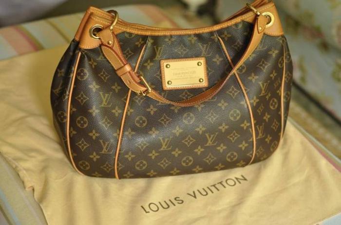 8700ee3d7e8 Louis Vuitton LV Monogram Canvas Galliera PM Handbag for Sale in ...