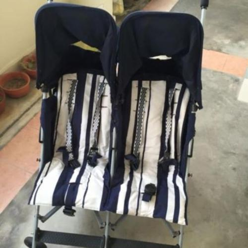Maclaren Twin Triumph stroller for sale. Pick up point,