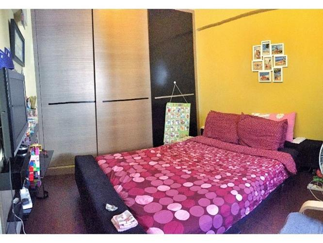 Master bedroom for rent ($1,080) - 7 minute walk to