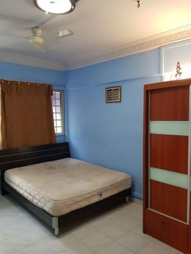 Master Bedroom For Rent @ 844 Sims Ave(MRT)