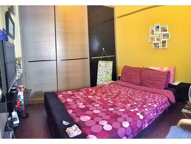 Master room for rent ($1,080). 7 minute walk to Tanah