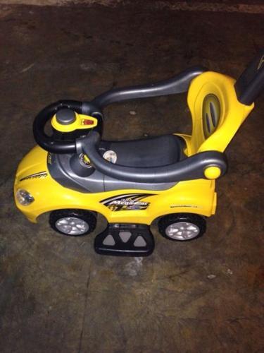 Mega ride push on car with handle-yellow