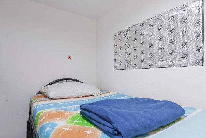 Mini master bedroom at aljunied: MNM.
