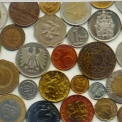Mix of World Coins & Banknotes