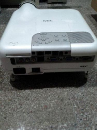 NEC LT265 projector