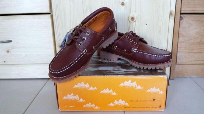 New wine red timberland boat shoe for sale! for Sale in