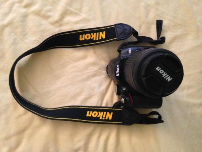 Nikon D5000 w Nikkor Lens 18-55mm w Nikkor Lens