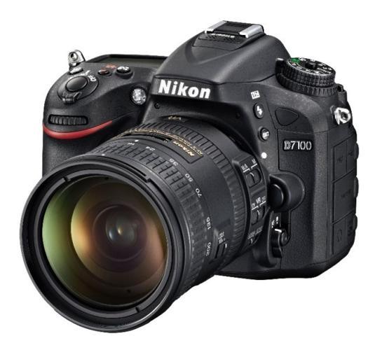 Nikon D7100 DLSR bundle with 18-200mm zoom lens, 35mm &
