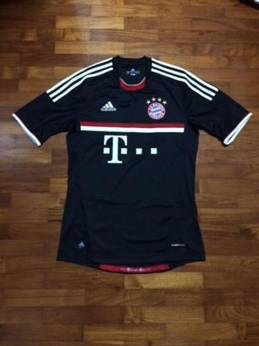 huge selection of 28556 2fce1 Original Bayern Munich 11/12 third jersey. for Sale in ...