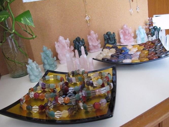 Original crystals (semi-precious stones)