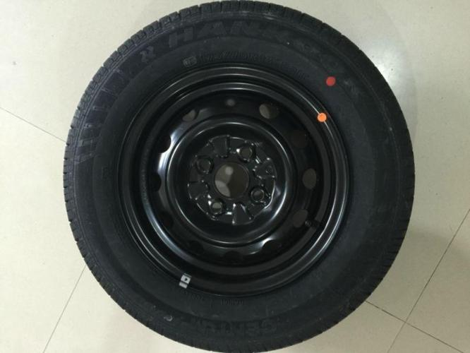 Original hyundai Spare Car tyre with Rim (Tubeless)