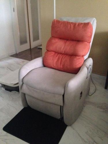 Osim usoffa os-7310 full body massage chair (Seldom