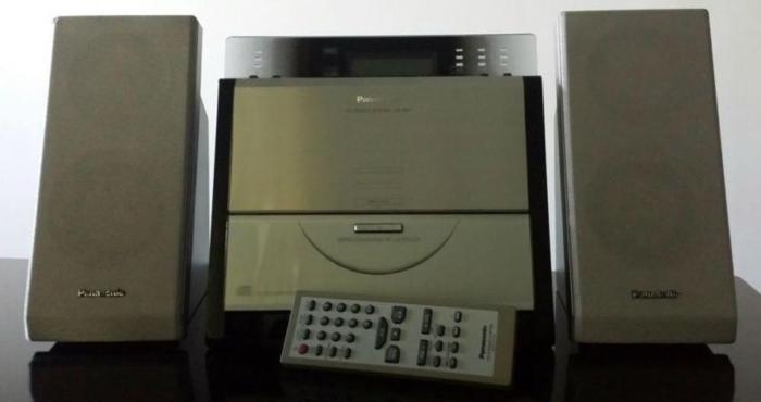 Panasonic SC-EN7 Slim Desktop CD Audio System
