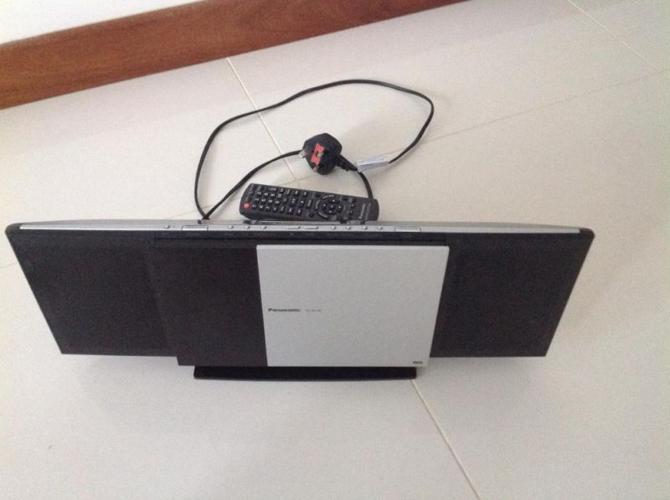 Panasonic stereo system for old iPhone connection and