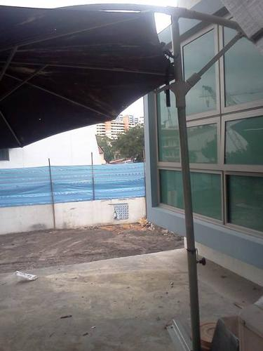 Patio umbrella for sale for sale in lorong 30 geylang for Terrace umbrella for sale
