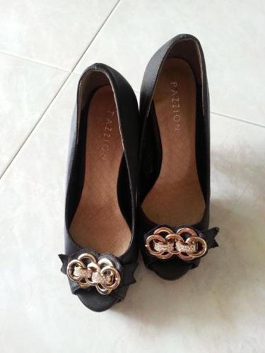 Pazzion Size 35 Elegant Black Heel Shoes