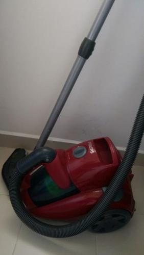 Philips Bagless Vacuum Cleaner