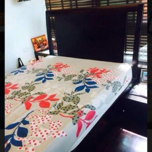 Picket & Rail Queen Bed