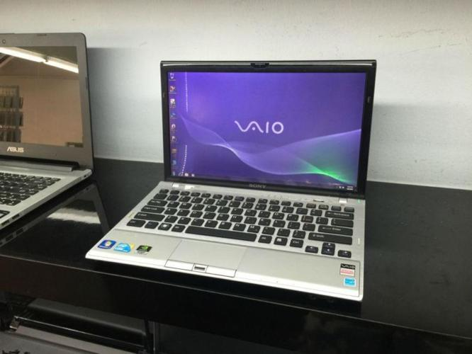 Pre-Owned 13.1Inch Sony Vaio VPCZ115GG