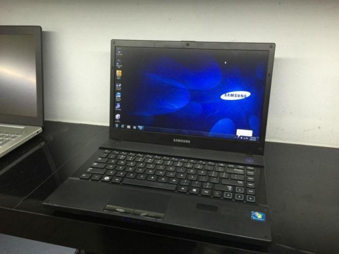 Pre-Owned 14.1Inch Samsung Np305V4A